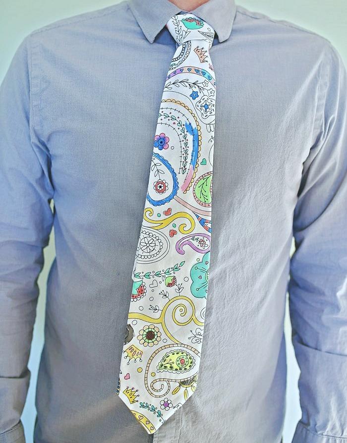 color me tie