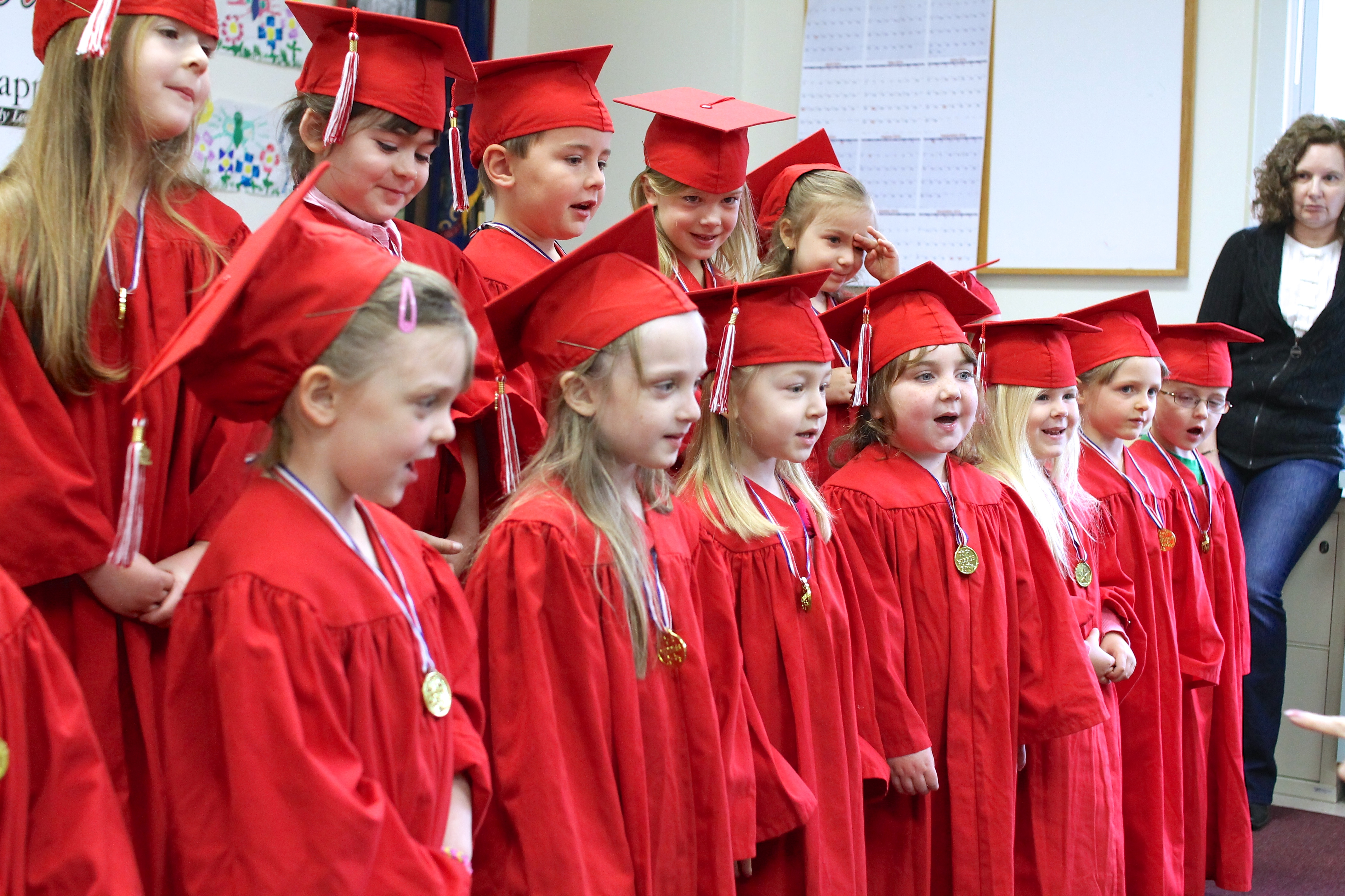 Ainsley Graduates Preschool! - welcometothemousehouse.com